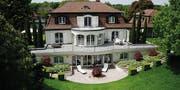 Viel Grün umgibt die Villa Giardino in Romanshorn.
