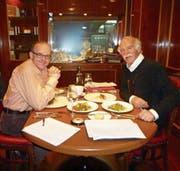 Willi Näf mit Anton Mosimann in London. (Bild: PD)
