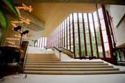 Das St.Galler Stadttheater ist in die Jahre gekommen - es muss für einen Millionenbetrag saniert werden. Am 4. März wird über den Baukredit abgestimmt. (Bild: Urs Bucher)