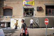 Die Jugendlichen konnten am Samstagnachmittag beim Flon Graffiti anbringen. Am Abend wurde dann abgetanzt. (Bild: Urs Bucher)
