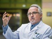 Man versteht immer besser, wie eine Zelle zur Krebszelle wird: Thomas Cerny erläutert die Fortschritte der Krebsmedizin.