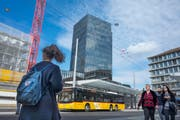 Im St.Galler Rathaus rechnet man für 2018 mit einem Minus von 10,7 Millionen Franken. Dazu tragen auch Investitionen in den Langsamverkehr bei. (Bild: Benjamin Manser)