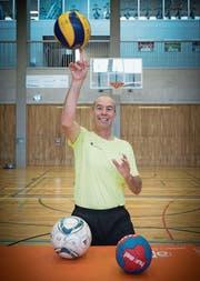 Leonz Eder in der HSG-Sporthalle. Neu ist für ihn vor allem Gesundheitssport angesagt. (Bild: Ralph Ribi)
