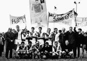 Guido Palatini (vorne mit Ball) ist mit dem FC St. Gallen im Jahr 1965 aufgestiegen. (Bild: pd)