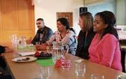 Teilnehmerinnen und Teilnehmer am Café International in der offenen Kirche stammen aus aller Herren Länder. (Bild: Marlen Hämmerli)