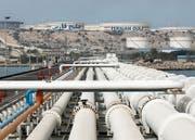 Der Kauf von iranischem Öl bleibt erlaubt. Im Bild der Kharg Oil Terminal im Persischen Golf. (Bild: Abedin Taherkenareh/EPA (Kharg Island, 12. März 2017))