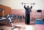 In Kabul haben Frauen in einem Fitnessstudio die Möglichkeit, frei Sport zu machen. (Bild: Elissa Bogos/medica mondiale)