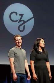 Facebook-Gründer Mark Zuckerberg und seine Frau Priscilla Chan präsentierten an einer Pressekonferenz die «Chan Zuckerberg»-Initiative. (Bild: Beck Diefenbach/Reuters (San Francisco, 21. September 2016))