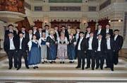 Der Jodlerchor Stadt St. Gallen präsentiert seine Tracht an einem Konzert in der Kirche St. Laurenzen. (Bild: PD)