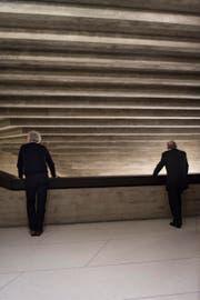 Premierenpublikum am Donnerstagabend in der aussergewöhnlichen Architektur des Theaters St.Gallen. (Bild: Benjamin Manser)