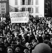 Nur scheinbar lange her: Demonstration fürs Frauenstimmrecht 1969 in Bern. (Bild: Keystone)