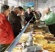 Eine grosse kulinarische Auswahl wartet auf die Besucher des Fladenfestes. (Bild: Erwin Schönenberger)