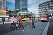 Wer hat alles Platz auf St.Gallens Strassen: Autos, Öffentlicher Verkehr, Velos und Fussgänger? Am 4. März entscheiden die Stadtsanktgaller über die Mobilitätsintitative. (Bild: Benjamin Manser/Archiv)