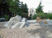 Der neue Steinbockplatz im Wildpark Peter und Paul: Vorne klettern die Kinder, hinten die Steinböcke. (Bild: PD)
