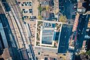 Die Fachhochschule St.Gallen ist für Stadtpräsident Thomas Scheitlin ein Beispiel für innovatives Bauen. (Bild: Urs Bucher)
