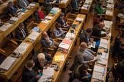 Es ist bereits absehbar: Im Dezember an der Budgetsitzung wird im Stadtparlament (Bild) über eine Senkung des Steuerfusses oder eine Gebührensenkung diskutiert. (Bild: Benjamin Manser)