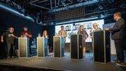 Andri Bösch, Ingrid Jacober, Boris Tschirky, Sonja Lüthi und Jürg Brunner (von links) stellen sich im Kugl den Fragen von Daniel Wirth (rechts aussen) und Reto Voneschen (links aussen). (Bild: Hanspeter Schiess)