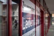 Zu vermieten: An grenznahen Orten wie Romanshorn oder Kreuzlingen ist das Ladensterben besonders ausgeprägt. (Bild: Michel Canonica)