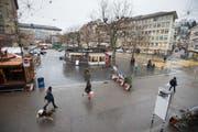 Der Marktplatz von der Einmündung der Marktgasse mit Blick auf die Rondelle und das Geschätftshaus Union. (Bild: Benjamin Manser - 14. Dezember 2017)
