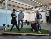Halten Balance: Petra Mrsa, Karl Steffen, Tea Hatadi, Katja Baumann. (Bild: Dieter Langhart)