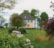Traum im Blütenmeer: In dieser Villa in Uttwil lebte der Dramatiker Carl Sternheim 1919 bis 1929. (Bilder: Valeria Heintges)