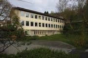 Das Schulhaus Tschudiwies steht am Bernegghang unterhalb der Teufener Strasse am Ende der Melonenstrasse, die ihren Namen vom Melonenhof, dem ehemaligen Gutshof der Von Tschudis hat. (Bild: Reto Voneschen - 28. April 2015)