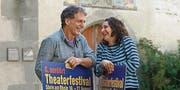 Simon Gisler und Katja Baumann leiten das Nordart-Theaterfestival. (Bild: Dieter Langhart)