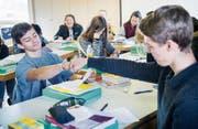 Austauschschüler beim Deutschunterricht im Vereinszentrum Bleiche in Bischofszell. (Bild: Andrea Stalder)