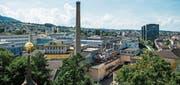Wohnaussichten auf Rorschachs grösstem Fabrikareal: die Bauten der ehemaligen Feldmühle, fotografiert vom Turm der evangelischen Kirche mit Blickrichtung Westen. (Bild: Jil Lohse)