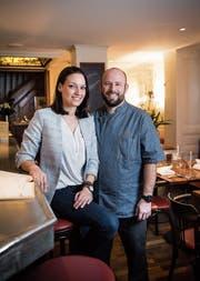 Natalie Schneider und Sandro Vladani im neueröffneten «Neubad». (Bild: Ralph Ribi)