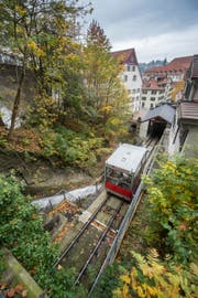 Die Kabine der Mühleggbahn auf dem Abschnitt zwischen Talstation und Tunnelportal. (Bild: Urs Bucher)
