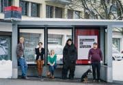 Mit ihrem Langzeit-Theaterprojekt zurück in der Stadt: Das Theater Konstellationen samt Hund und Affenkostüm. (Bild: Michel Canonica)