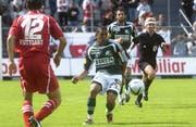 Fabinho (Bildmitte am Ball) spielte von 2004 bis 2006 insgesamt 48 Mal für den FC St. Gallen. (Bild: Rainer Bolliger)