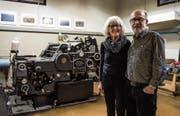 Rosmarie und Rico Breitenmoser schliessen ihre Druckerei, das Printstudio. Heute startet der Räumungsverkauf. (Bild: Sabrina Stübi)