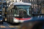 Die Stadtbusse werden seit Jahren immer weniger genutzt. Der VCS bemängelt vor allem mangelnden Komfort – und fordert bessere Rahmenbedingungen. (Bild: Coralie Wenger)