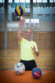Leonz Eder, Chef des St.Galler Unisports, in der HSG-Sporthalle am Höhenweg. (Bild: Ralph Ribi)
