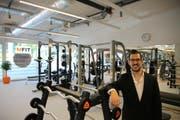 Roman Fischer im neuen M-Fit-Fitnesszentrum im Grossacker. (Bild: Leonardo Da Riz)