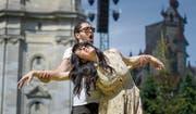 Elena Rossi als Loreley und Vittorio Vitelli als Hermann bei den Proben zu Alfredo Catalanis «Loreley». Die Oper hat in einer Woche Premiere. (Bild: Michel Canonica)