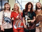 Die schwedische Popgruppe Abba meldet sich 35 Jahre nach ihrer Auflösung mit neuen Songs zurück. (Bild: Keystone/DPA/SCHILLING)