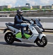 Motorräder mit Elektromotor sind auf Schweizer Strassen selten zu sehen. (Bild: Matthew Richardson/Alamy)