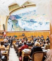 Blick in den Nationalratssaal, wo die Vereinigte Bundesversammlung am Mittwoch zusammenkommt. (Bild: Thomas Hodel/Keystone)