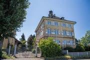 18 Zimmer bietet diese Villa in Horn.