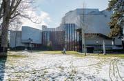 Ein Grossteil der ländlicheren Gemeinden im Kanton hat der Sanierung des Theatergebäudes zugestimmt. (Bild: Urs Bucher)