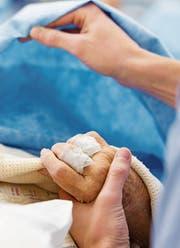 Palliative Care hat das Ziel, die Lebensqualität Todkranker zu verbessern. (Bild: Jim Varney/Getty)