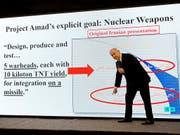 """Israels Regierungschef Benjamin Netanjahu bei seiner Präsentation, die ein """"geheimes"""" iranisches Atomwaffen-Programm beweisen soll. (Bild: KEYSTONE/AP/SEBASTIAN SCHEINER)"""