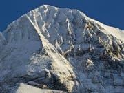 Neues Drama: Auch in der Region Mönch auf Walliser Kantonsgebiet sind zwei junge Bergsportler ums Leben gekommen. (Bild: KEYSTONE/MARTIN RUETSCHI)