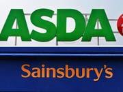 Die britischen Supermarktketten Sainsbury's und Asda planen milliardenschwere Fusion. (Bild: KEYSTONE/EPA/FACUNDO ARRIZABALAGA/ANDY RAIN)