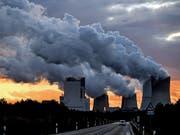 Die Fortschritte zur Umsetzung des Pariser Klima-Abkommens genügen nicht, wie die Schweizer Delegation in Bonn feststellen musste. Im Bild das Braunkohlekraftwerk im sächsischen Boxberg. (Bild: KEYSTONE/EPA/FILIP SINGER)