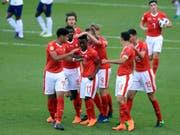 Felix Mambimbi (Nummer 11) erzielte gegen England den Schweizer Siegtreffer (Bild: KEYSTONE/AP PA/MIKE EGERTON)