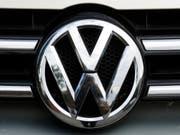 219'000 Polo von VW und 191'000 Seat-Modelle der Baureihen Ibiza und Arona müssen zurück in die Werkstätten. (Bild: Keystone/AP/MARKUS SCHREIBER)